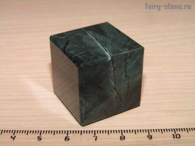 Куб из неизвестного минерала (28мм)